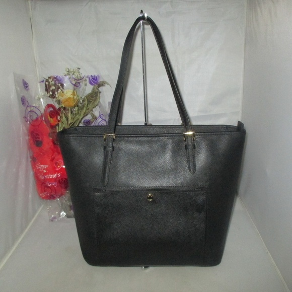 Michael Kors Handbags - Michael Kors Jet Set Item LG Saffiano Leather Tote